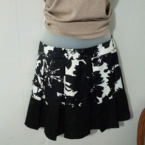 F.Exchange artsy black and white pleated skirt